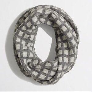 JCREW gray wool blend infinity scarf❄️